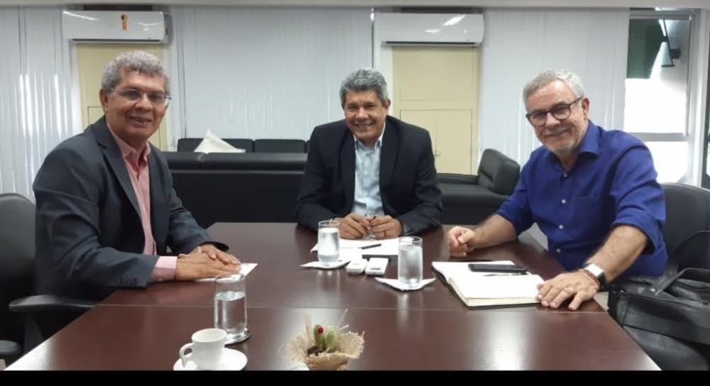 Waldenor e Zé em reunião com o secretario de Educação, Jerônimo Rodrigues