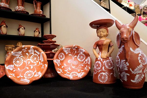 A feira é uma forma de apresentar a diversidade do artesanato baiano