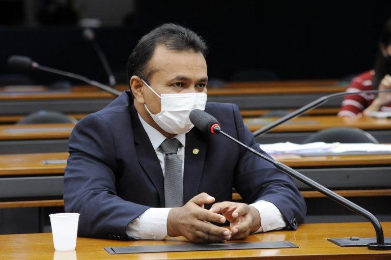 Capitão Fábio Abreu: todo o risco da atividade é absorvido pelo proprietário do veículo - (Foto: Cleia Viana/Câmara dos Deputados)