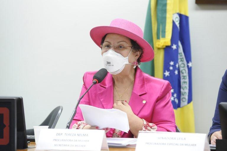 Tereza Nelma defende mamografia para mulheres jovens - (Foto: Gustavo Sales/Câmara dos Deputados)