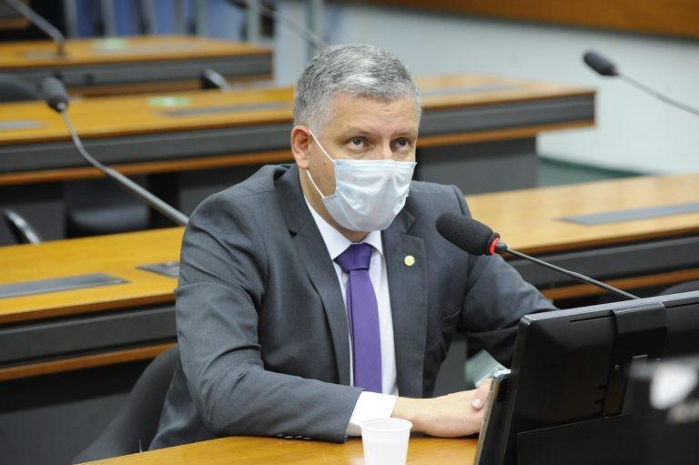 Dr. Frederico defendeu a aprovação do texto - (Foto: Gustavo Sales/Câmara dos Deputados)