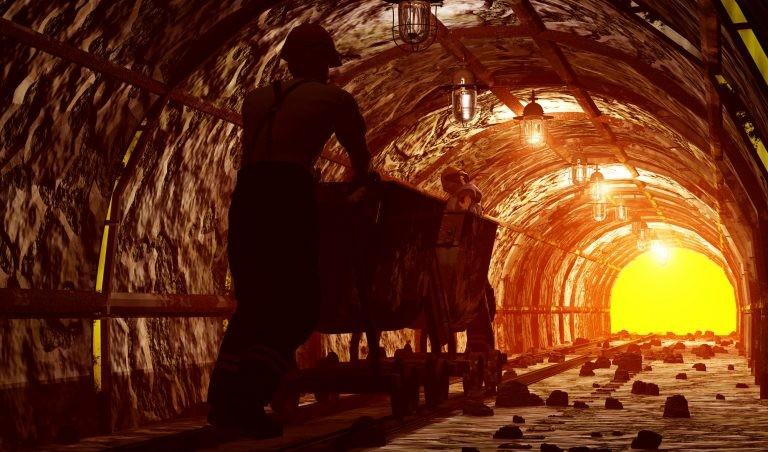 Trabalho em mina de carvão - (Foto: Iurii/DepositPhotos)
